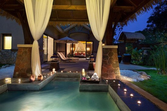 Emei Resort: Deluxe Jacuzzi Villa Outside