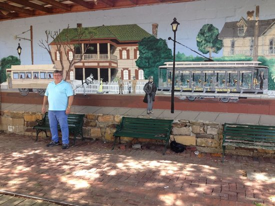 Fort Smith Trolley Museum: Great historical information provided on the Trolley Ride.