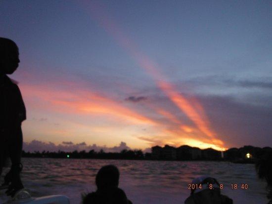 Belizean Shores Resort: Sunset