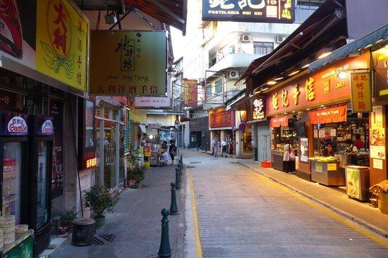 Rua da Felicidade in the evening