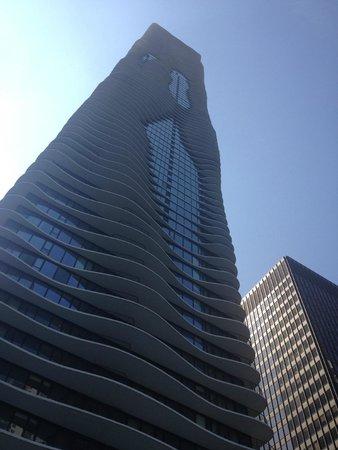 Radisson Blu Aqua Hotel: Front view