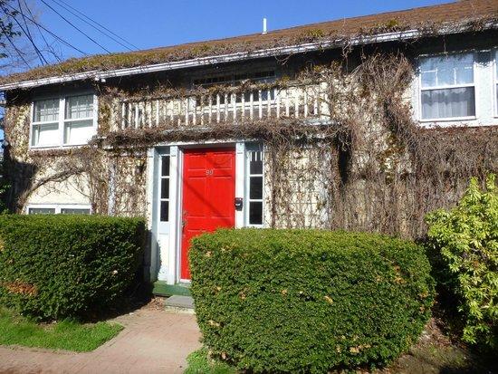 Yankee Peddler Inn: Cottage en donde estaba nuestra habitación