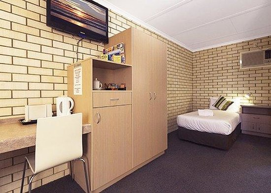 Econo Lodge Fraser Gateway: Room