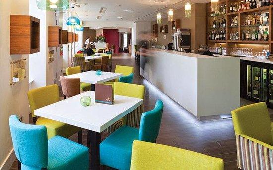 Ten Hill Place Hotel: 10 Wine Bar