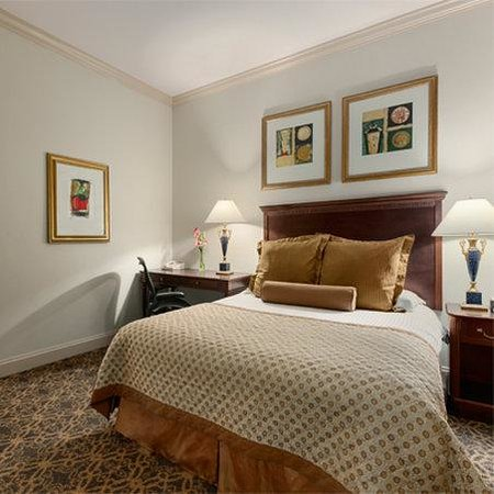 The Whitney Hotel : Guestroom
