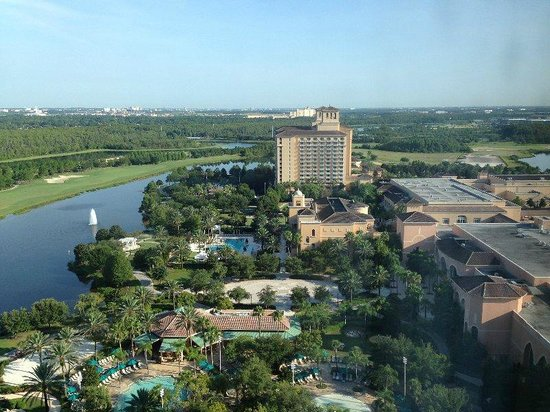 JW Marriott Orlando, Grande Lakes : The view towards the other hotel on the property, the Ritz-Carlton.