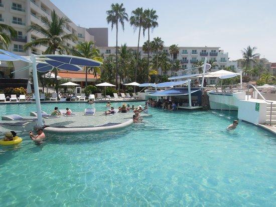 Hard Rock Hotel Vallarta: The main pool with swim up bar