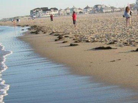 The Tides Motel: beach.close