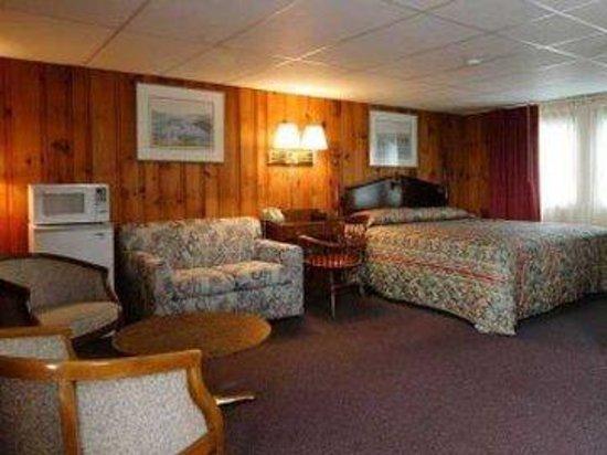 The Tides Motel: king