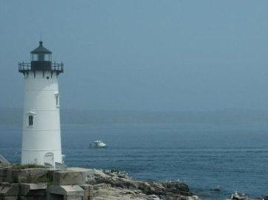 The Tides Motel: lighthouse
