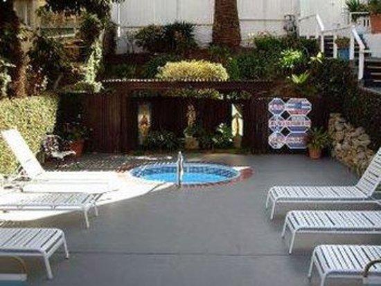Hotel Catalina: Jacuzzi