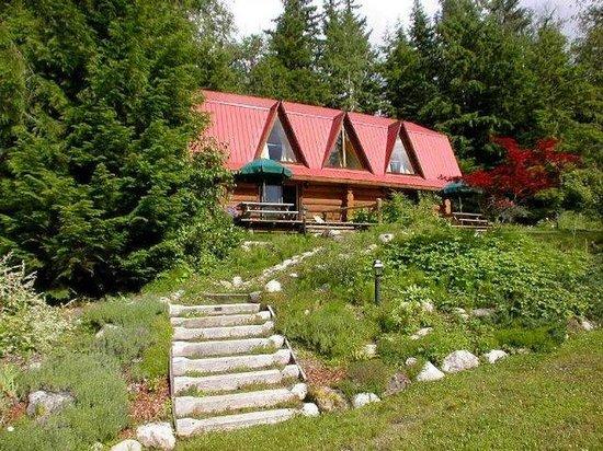 Blue Sky Resort: Exterior of cottage Violet and Rose