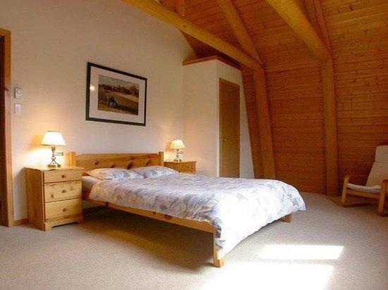 Blue Sky Resort: Queen Size Bedroom cottage Iris