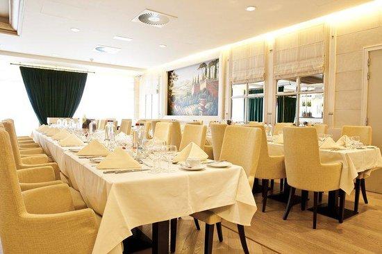 Le Chatelain Hotel: Restaurant