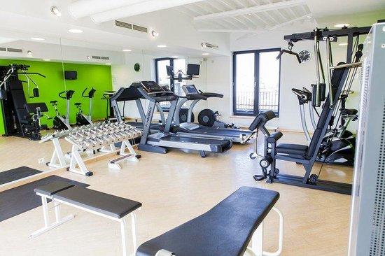 Le Chatelain Hotel: Fitness Center
