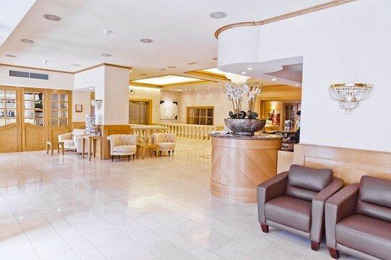 Le Chatelain Hotel : Lobby