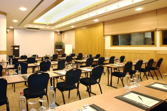 Le Chatelain Hotel : Meeting Room