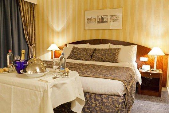 Le Chatelain Hotel : Superior Room