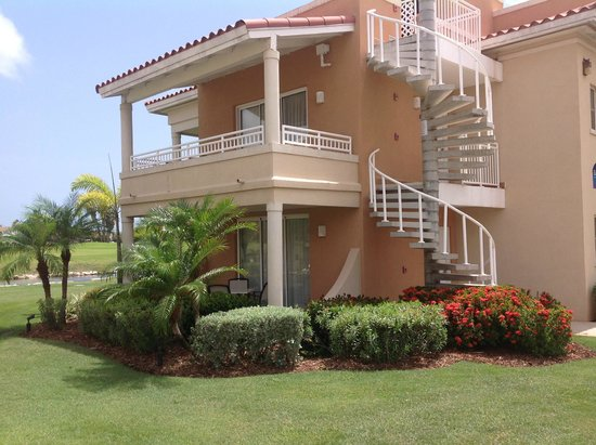 Divi Village Golf and Beach Resort: Villa avec vue sur le golf