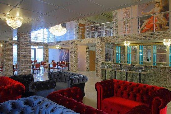 Gallery Voyage Hotel: Restaurant