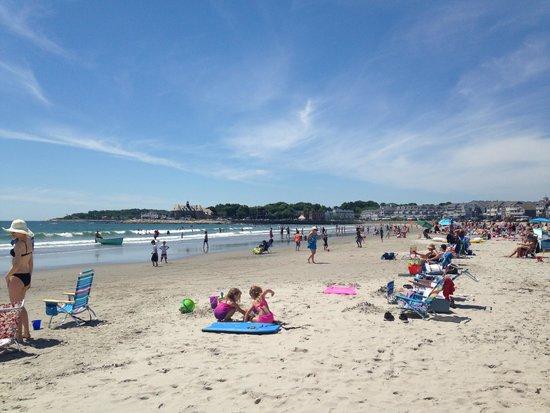 Narragansett Beach : View of beach