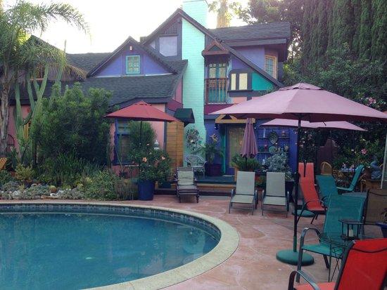 Hollywood Bed & Breakfast : Patio / Pool