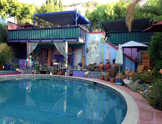 Hollywood Bed & Breakfast: Patio / Pool