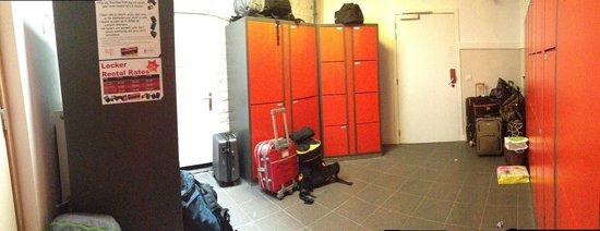 St Christopher's Inn at the Bauhaus: Locker Room