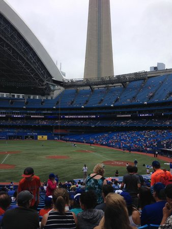 Renaissance Toronto Downtown Hotel : Blue Jays Game - Rogers Centre