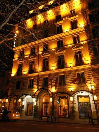 Hotel Romanico Palace: night time view