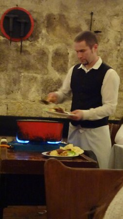 Borkatakomba Restaurant : Serviço