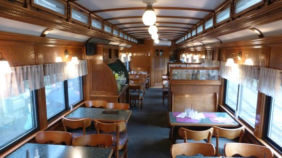 Dining Car Chocorua Dinning