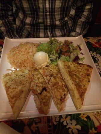 Amigos Mexican Restaurant: Chicken quesadilla