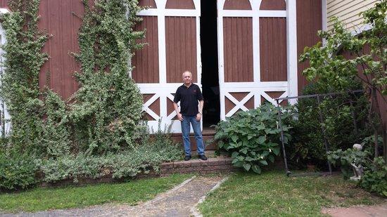 Black Walnut Inn: The Barn