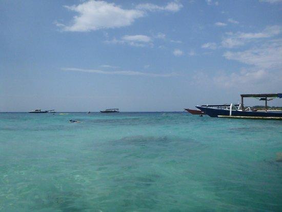 Villa Almarik Resort Lombok: right out front of hotel