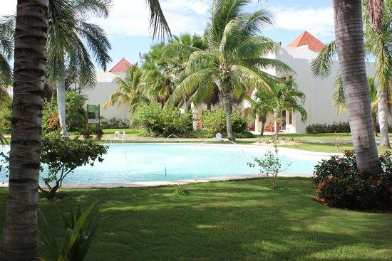 El Dorado Royale, by Karisma: water feature near the main building