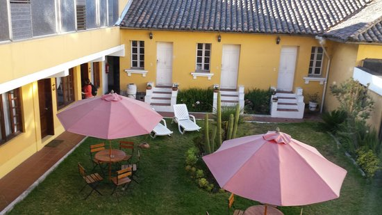 The inner courtyard of Hotel La Cartuja