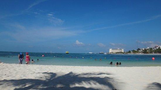 Barcelo Costa Cancun : Praia privativa do hotel