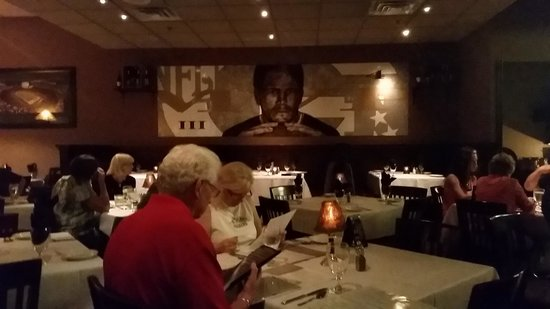 Brett Favre's Steakhouse : art work in the dining room