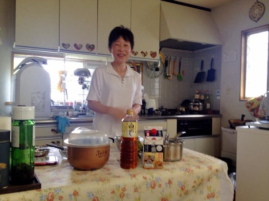 Japanese Cooking Experience with Yoshiko : Yoshiko
