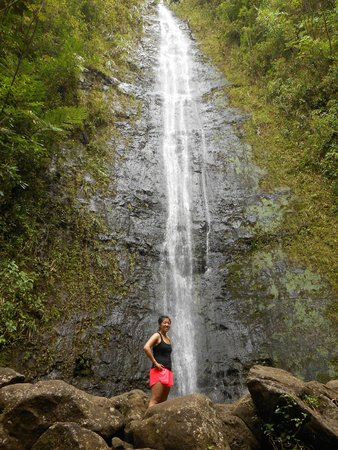Manoa Falls: Right under the waterfall