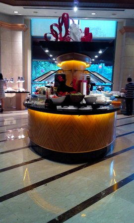 Grand Copthorne Waterfront Hotel: Buffet area