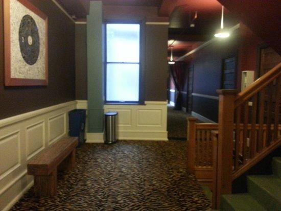 Moore Hotel: 5th Floor Hallway