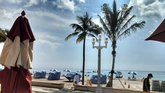 Hollywood Beach Marriott: View from hotel restaurant