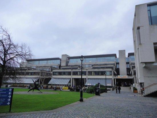Trinity College Dublin: Trinity College