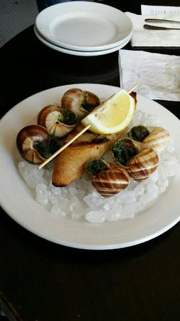 Thames Street Oyster House: Escargot to die for!