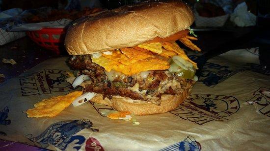 River City Cafe: nacho burger