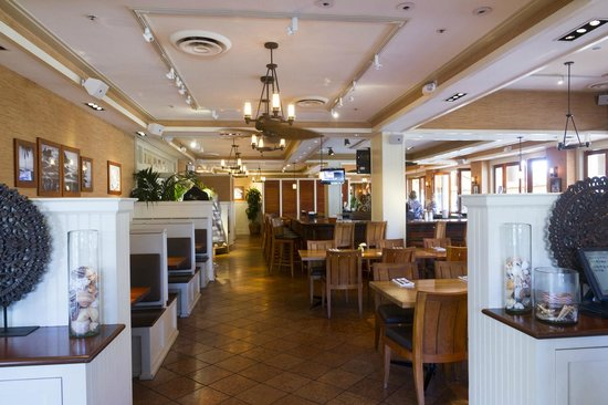 Tommy Bahama's Restaurant & Bar: Indoor Seating