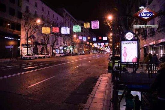 Barrio de Salamanca : Serrano Metro y calle