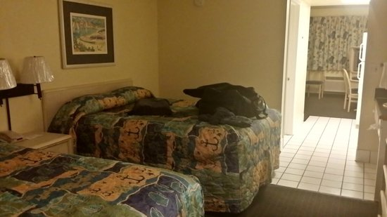 Flamingo Motel: Bedroom
